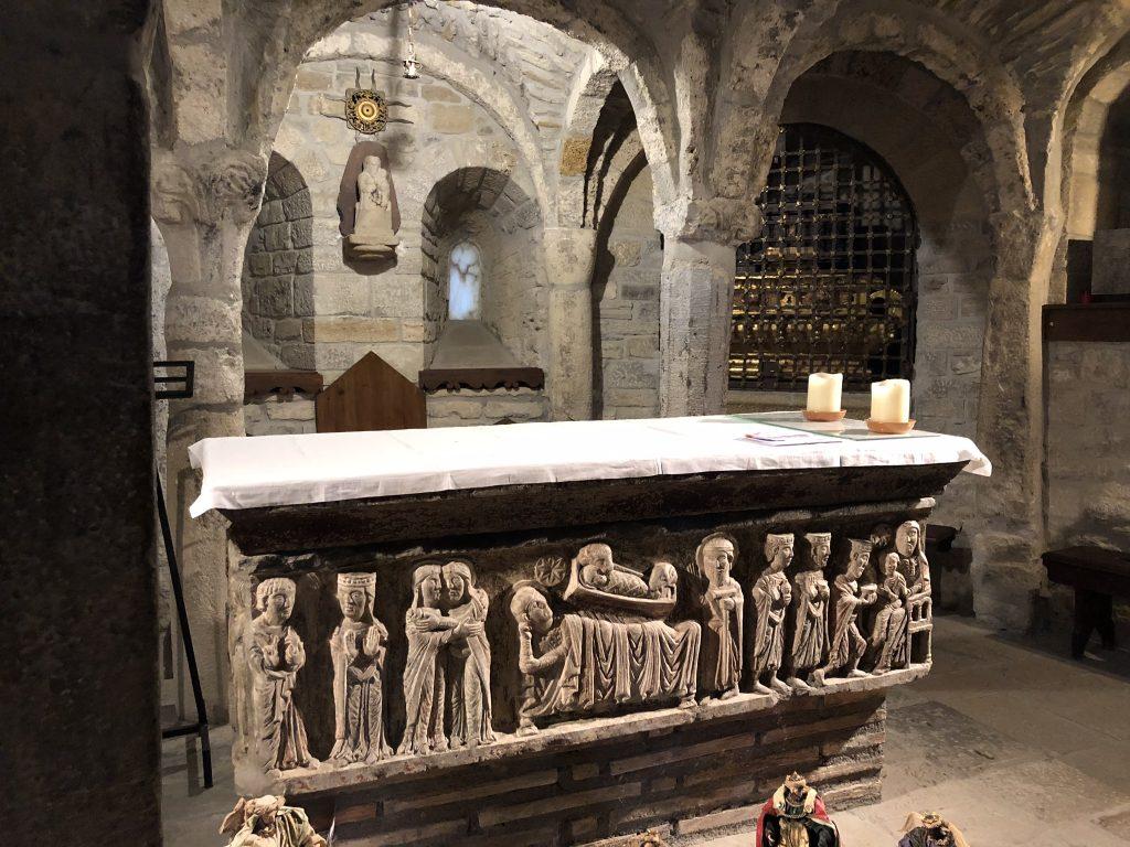 Altar en cripta abierta